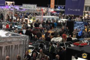 das komplette MECC war mit Oldtimerverkäufern, Ersatzteilhändlern und Oldtimerclubs ausgefüllt - Interclassics Maastricht 2018