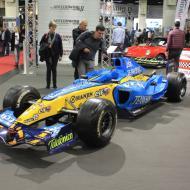 viele Rennfahrzeuge wurden ausgestellt - hier der F1 Wagen von Alonso aus dem Jahr 2005 - Besuch der RETRO CLASSICS Cologne 2017