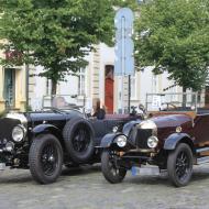 Morris Cowley, das älteste Fahrzeug aus dem Jahr 1926, traf am späten Nachmittag auf einen Bentley 4 ½ Litre aus dem Jahr 1931. Ein von Walter Owen (W.O.) Bentley gebauter klassischer Wagen mit Achtzylinder-Motor - absoluter Supersportwagen seiner Zeit (Ende 20er bis Anfang 30er), in perfekt restauriertem Zustand, z.B. mit authentischen *Blockley* Reifen. - 6. Oldtimertreffen in Erftstadt Lechenich (24.06.2018)