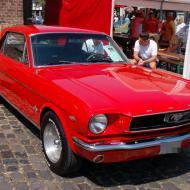 Ford Mustang ca. 1965 Notchback-Coupé, mit dem 289 cubic Inch Windsor Motor (wie auch in der *kleinen* 289er Cobra verbaut) - OCRE Oldtimertreffen 2019