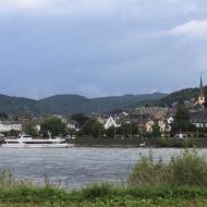 Blick von Remagen auf Linz am Rhein