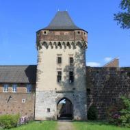 Westseite der Burg Friedestrom in Zons (10.05.2015)