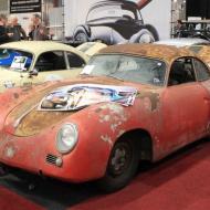 Oldtimermesse Maastricht 2016 - auch Restaurationsprojekte wurden angeboten - hier ein Porsche vor-A 356 Baujahr 1954