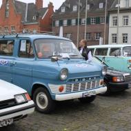Busse und Transporter wie ein Ford Transit oder VW Bus T2 wurden ebenfalls ausgestellt