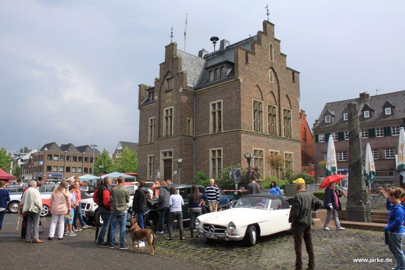 Impressionen von Oldtimertreffen 2014 auf dem Lechenicher Marktplatz (1)